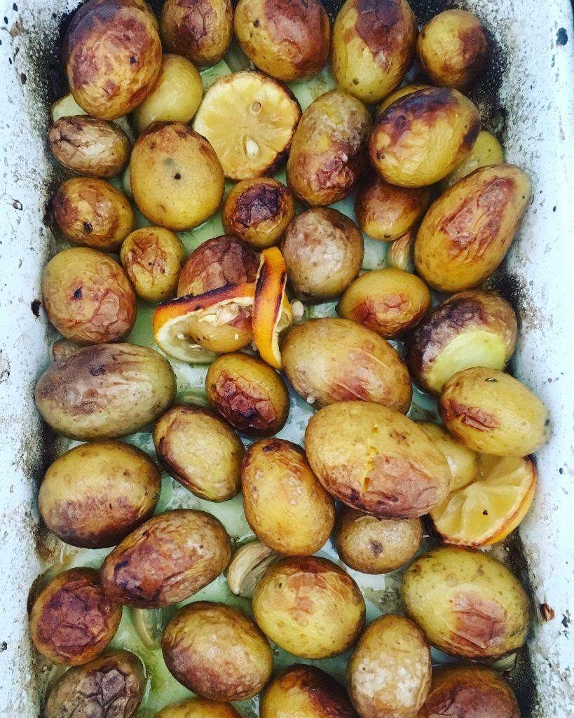 YOGI-KÜCHE: Zitronen-Knoblauch-Kartoffeln